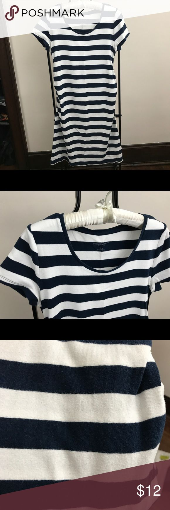 Liz Lange Striped Maternity Dress, Large A great way to showcase your beautiful baby bump!  It's so comfortable, flattering and versatile. Navy and white stripes, machine washable. Shows some wear, so it's priced accordingly. I'm a top-rated seller and fast shipper. Liz Lange for Target Dresses Mini