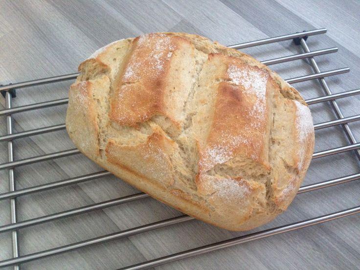 Wenn man Kartoffeln übrig hat gibt es am nächsten Tag oft Bratkartoffel oder man macht einfach ein Kartoffelbrot, so wie ich :) Dieses Brot ...