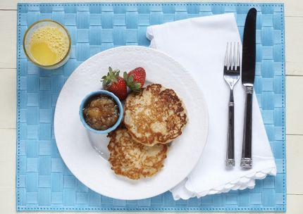 Cinnamon Apple Pancakes with Cinnamon Applesauce| Recipes with SPLENDA® Sweetener Products