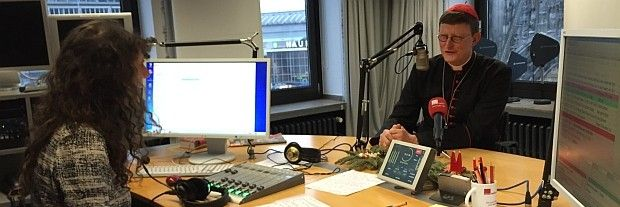 "Besuch des Kardinals | © dr - #Archbishop of #Cologne #Woelki: ""Auch #Jesus war #Flüchtling"" http://www.domradio.de/themen/rainer-maria-kardinal-woelki/2014-12-24/kardinal-woelki-zu-gast-bei-domradiode http://en.wikipedia.org/wiki/Rainer_Woelki   #Archbishop of #Cologne #Woelki seems a nice guy,similar #Pope Francis,both better than before them -me,a #Protestant"
