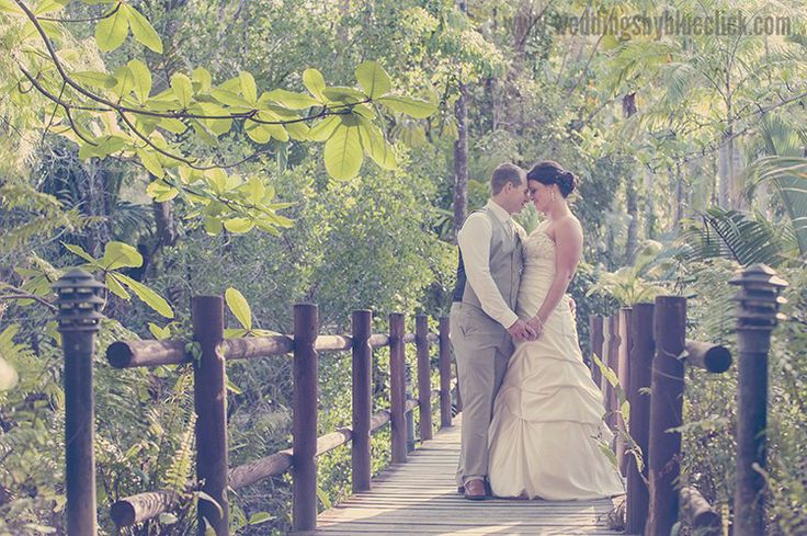 Cairns Wedding photography by Blueclick Photography at Kewarra Beach Resort.
