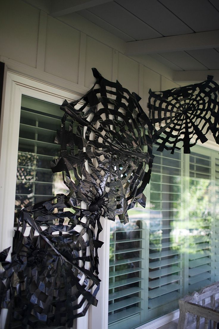 Create an awesome display for Halloween using trashbags!