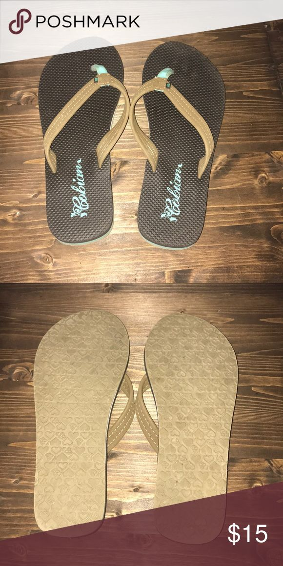 💜 Cobian flip flops No signs of wear. Basically brand new and super comfy Cobian Shoes