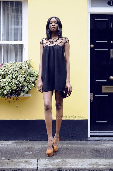 Choies Cage Neckline Dress, Kurt Geiger Shoes, Zara Clutch