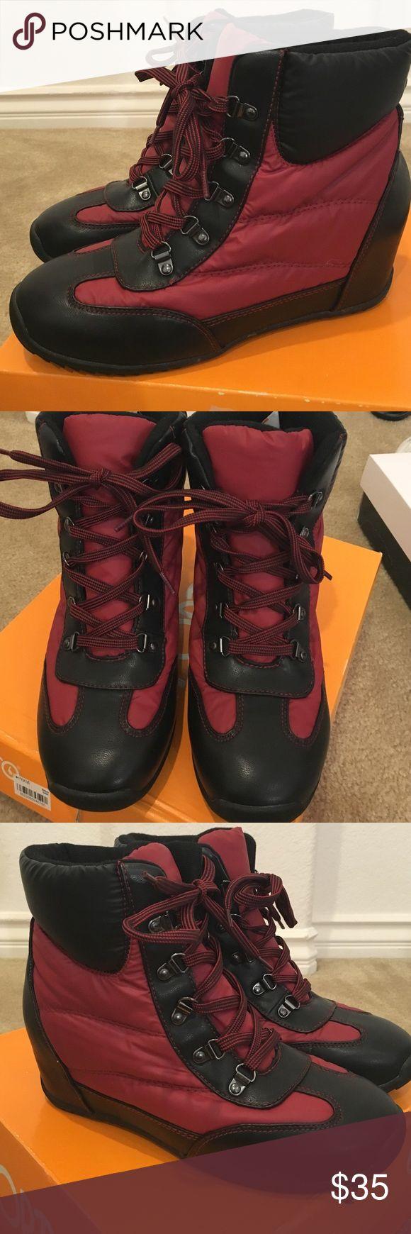 Sporto waterproof winter wedge ankle boots😍 So cute and stylish winter boots. Waterproof. Wedge inside. Comes in original sporto box. In excellent condition! sporto Shoes Winter & Rain Boots