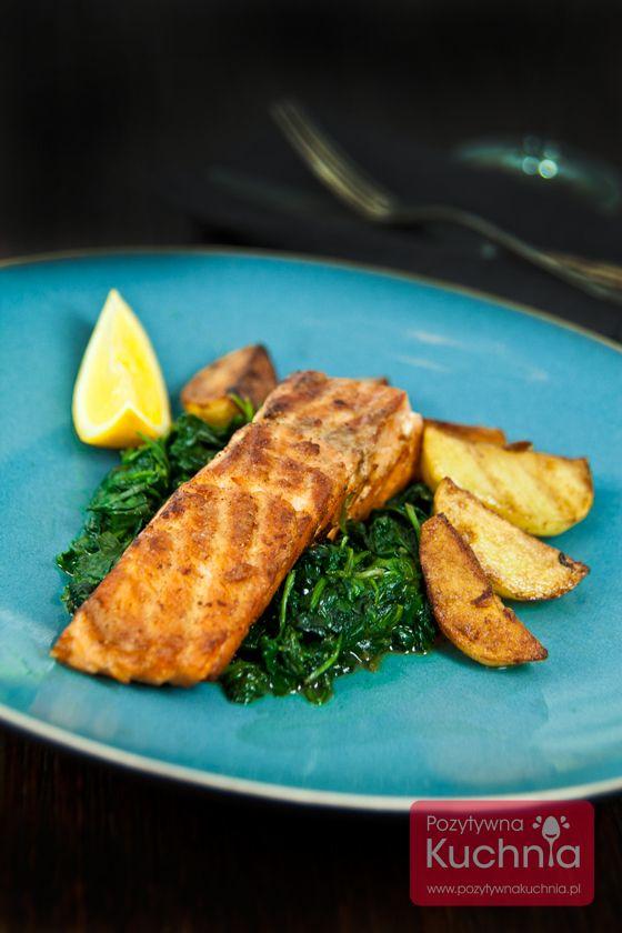Najprostszy łosoś smażony - z sokiem z cytryny, solą i pieprzem.  http://DOROTA.iN/losos-smazony/  #losos #przepis #food #kuchnia #obiad