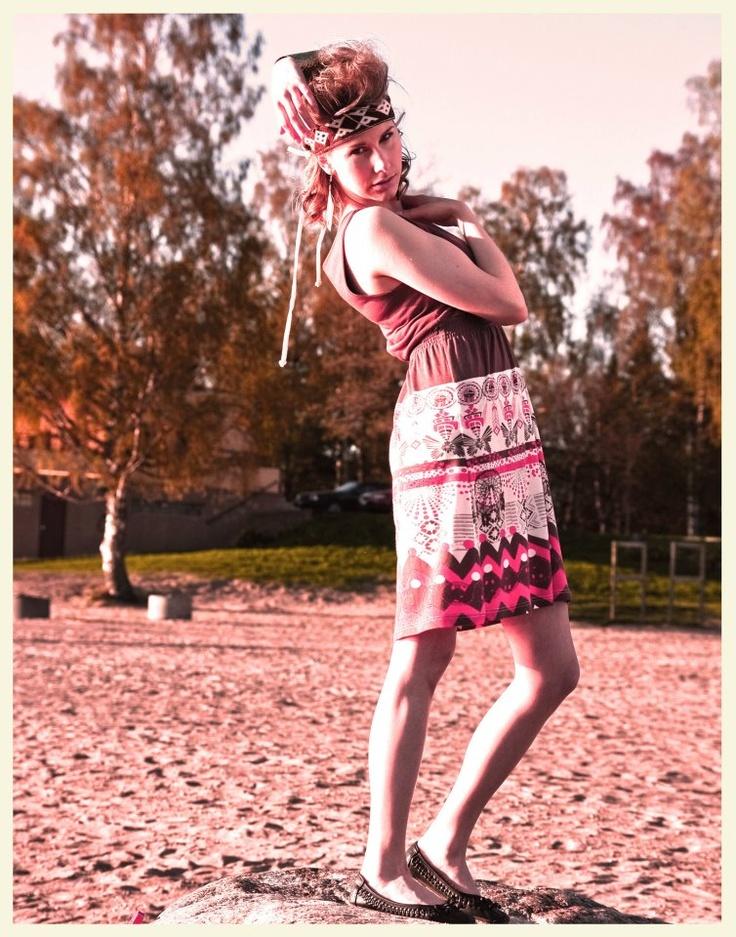 accessorizing an Ivana Helsinki dress with a headdress