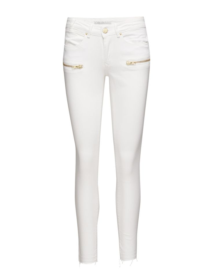 DAY - Day Lark Zip Blur Refresh your off-duty look with a pair of light colored jeans. This pair differs from the classic jeans cut with its edgy details on the front. Day Lark Zip Blur is perfectly styled with a relaxed knit and sneakers for the weekends. A perfectly fitted pair of jeans, in lovely summer colors, is a must-have in every woman's wardrobe and this style is no exception.  Button and zip closure Stretch fabric Cool Feminine Modern Excellent quality and fit