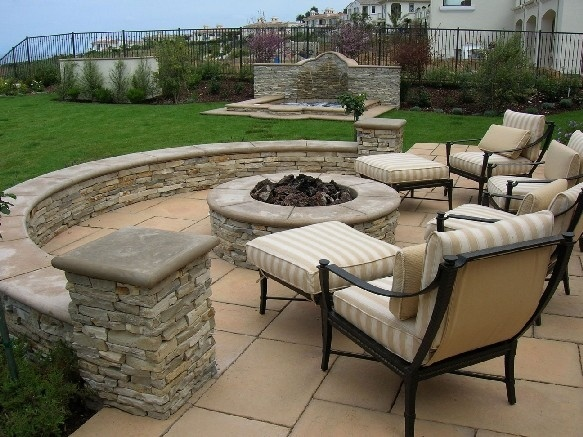 How I Want To Do The Back Yard Patio Knee Wall Yard