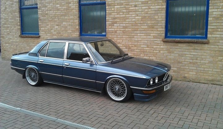 Classic Bmw Stance Flush Offset Camber Fitment Pinterest