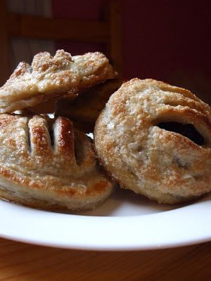 Antics of a cycling cook: Eccles cakes