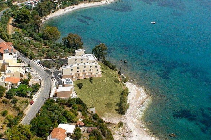 Στο Νομό Μεσσηνίας στη Πελοπόννησο διατίθενται προς πώληση παραλιακά νεόδμητα διαμερίσματα σε μικρό συγκρότημα με εμβαδόν 67, 74, 100 τ.μ.