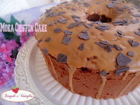 Moka chiffon cake,un ciambellone al caffè e cioccolato, soffice come una nuvola, con una glassa al caffè, ottimo per la prima colazione e una sana merenda.