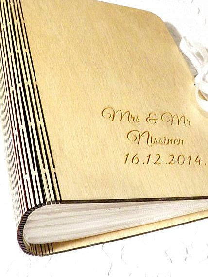 This listing is for Mr & Mrs ... wooden photo album.  - Dimensions: 13cm x 17cm - Thickness album 7cm and wood material: 3mm - Material: wood - 50sheet for 100 photos