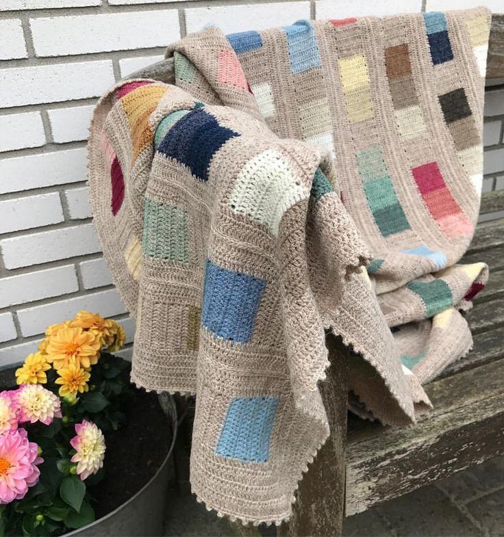 """38 synes godt om, 2 kommentarer – @lisefranck på Instagram: """"Lige et billed mere. #coloursandsquares #coloursandsquaresblanket #crocheting #crochet…"""""""