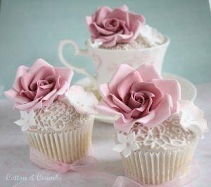 Pretty cupcakes by pretty