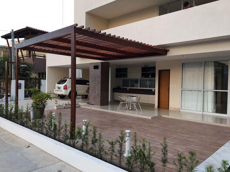 Pergolado instalado junto à área gourmet e piscina em condomínio horizontal em João Pessoa