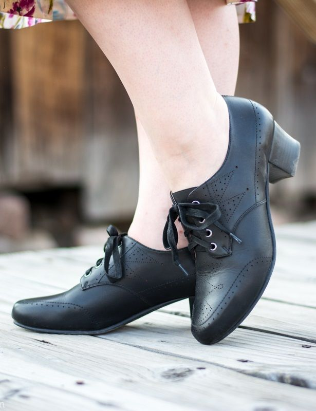 3782fafde9c2a 10 Popular 1940s Shoes Styles for Women | Things I like | 1940s ...