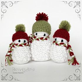 The pattern for these snowmen is a free PDF download on Ravelry. The design is by Briana Olsen. There are many other free snowman patterns in this directory.