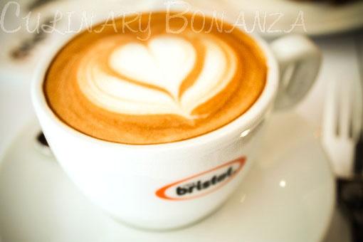 A cup of Bristot #coffee #cappuccino #Italian #foam #art