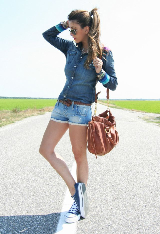 20 Awesome Outfits With Denim Shirts - Fashion Diva Design.. Finally!! Just what I needed.