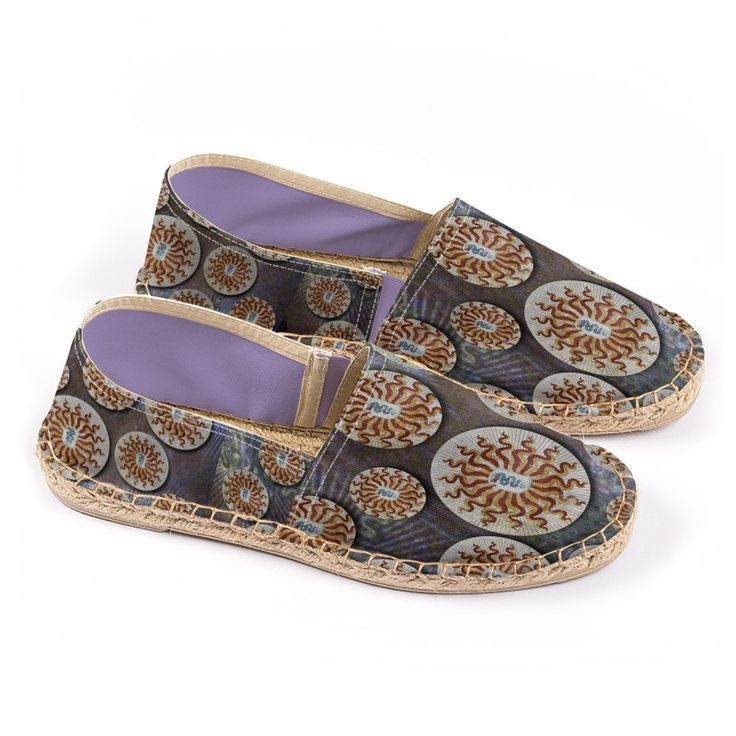 """""""Visconti""""  -  Espadrilles, the legendary summer shoes. Made of linen, rope inner sole, non-slip rubber sole."""