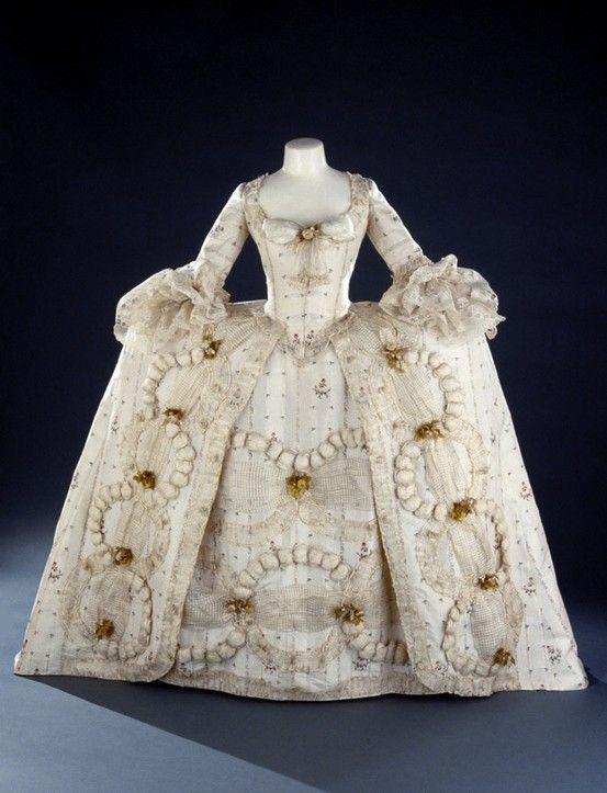 robe a la francaise costume fashion rococo 18th century beauty