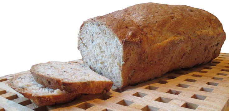 Dette blir et kjempegodt og saftig brød, og kun 195 kcal pr. 100 gram. Ingredienser 1 pk semper grov mix 25 g gjær 4,5–5 dl vann 1 ss fiberhusk 2 ss linfrø 1 stk raspet gulrot 2 ss solsikkeolje, el...