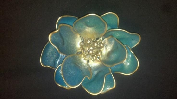 The 25 best plastic spoon art ideas on pinterest spoon for Plastic spoon flower mirror