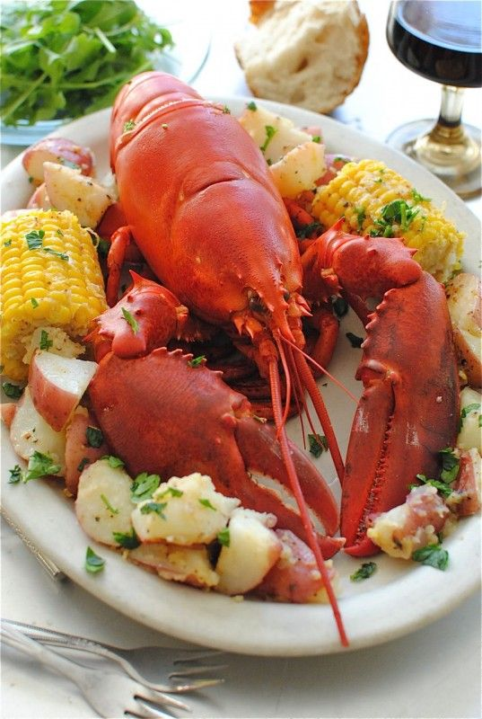 Lobster with Potatoes and Corn, and a fun story about @Sonia! The Healthy Foodie's first experience with live lobster.