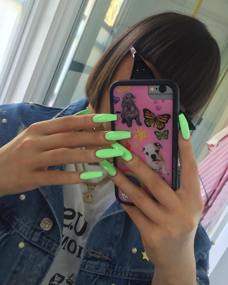 """Victoria auf Instagram: """"Nägel sind Süßigkeiten Mars von GlitterDaze Cosmetics … – #on #c …"""