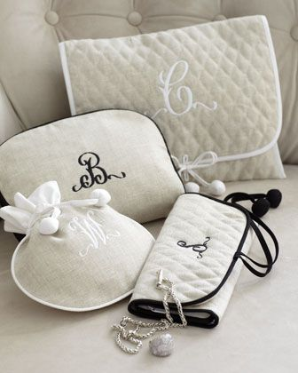 personalized quilted jewelry roll :: great gift idea (especially fun for bridesmaids)