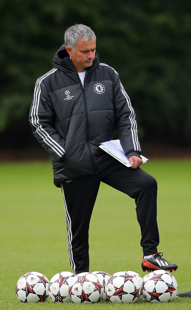 Jose Mourinho Photos - Chelsea Training Session - Jose Mourinho Photos - 17/09/13