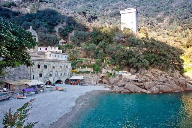 Spiagge più belle della Liguria: San Fruttuoso, Genova - Spiagge più belle in Liguria - Fotostory di viaggi - Zingarate
