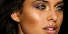 Se hai la pelle olivastra scopri con noi come truccarti scegliendo i colori giusti e qual è il tuo colore di capelli ideale!