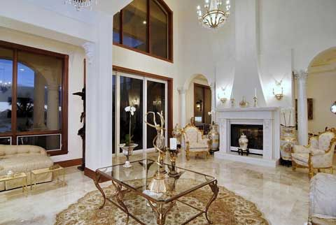 Casa Elegante - Pure Luxury