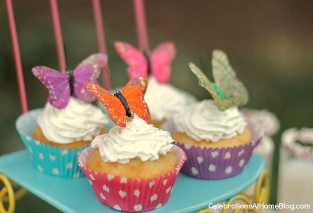 kids butterfly garden party cupcakes