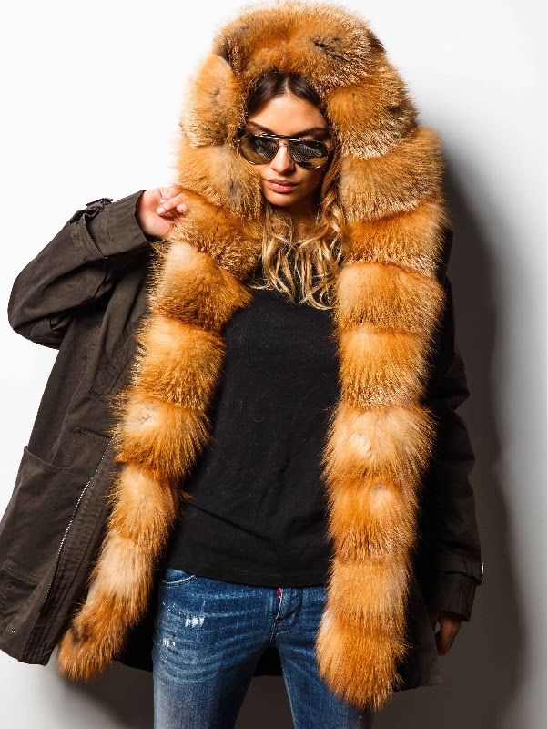 Famous Moscow fashion editor Anna Beck who recently launched furs brand Via Capella got breathtaking success from the first steps: her jackets, coats and parkas are impossible to be bought without impressive waiting list. The fun is to be in thе waiting crowd with the best Moscow beauties.