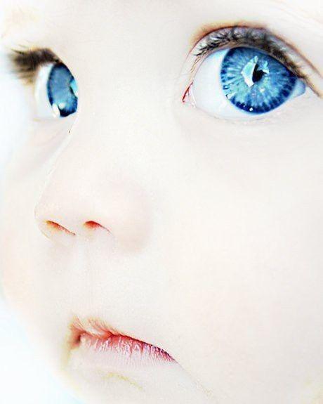 Blue eyed baby photo