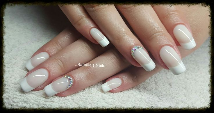 #Shellac #Square_Nails #French_Nails #All_Time_Classic  #Swarovski