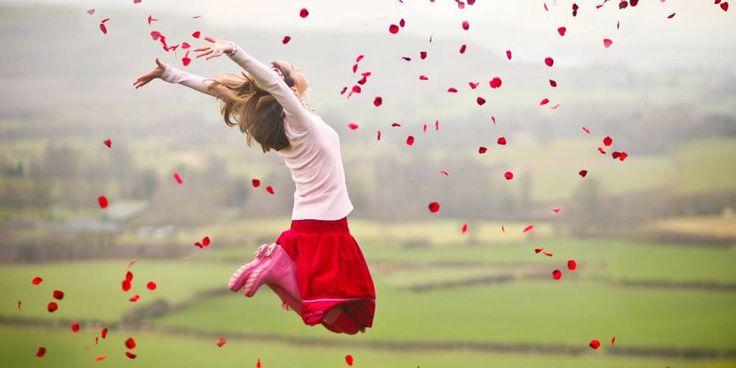 Jezelf en vrij zijn in een gekke wereld De huidige wereld wordt beheerst door de linkerkant van de hersenen. De taal, het zien, ruiken en voelen. Dat is een lage vorm van bewustzijn. Het is de wereld van de wetenschappers, de denkende mens, geld en macht. Dat zijn de zelfde mensen die anders denkende/voelende uitmaken voor aluhoedje,... - http://gezondheidenvoeding.nl/inspirerende-films/jezelf-en-vrij-zijn-in-een-gekke-wereld/
