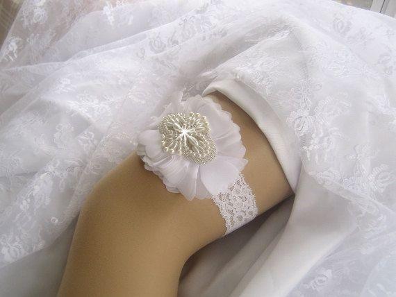 Garter White Wedding Set By Nanarosedesigns 3300