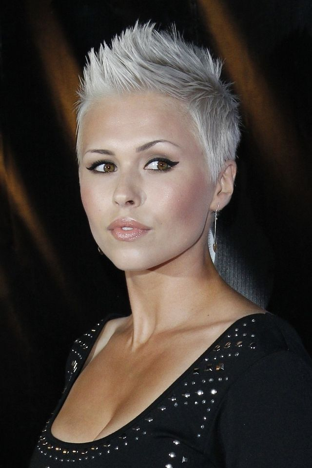 Iga Wyrwał Platinum Pixie Cut Short Haircuts
