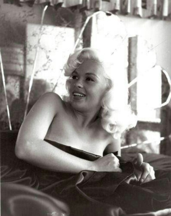 jayne-mansfield-sex-tape-erotic-massage-male-and-female-video