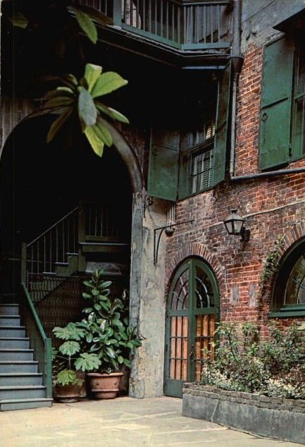 New Orleans courtyard  -French Quarter