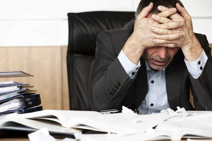 You may not have any physical signs of job burnout. The list below highlights 7 red flags that signal you may be overwhelmed at work.