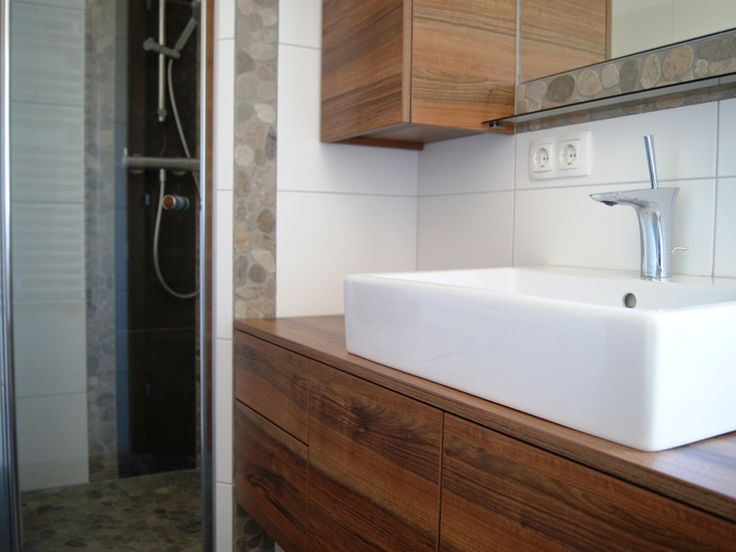 material-nuss zingaro  http://krumhuber-design.at/projekt/badezimmer-bd/
