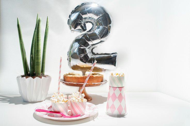 Vrolijke feestartikelen in verschillende soorten en kleuren te verkrijgen in de webshop. #feestje #feestartikelen #roze #mintgroen #meisjes #jarig #ballon #zilver #tweeonsgeluk