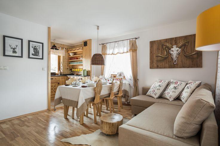 Domek Miód Zakopane do wynajęcia góralski chalet holiday rent antlers art craft ski modern ludowy kuchnia living