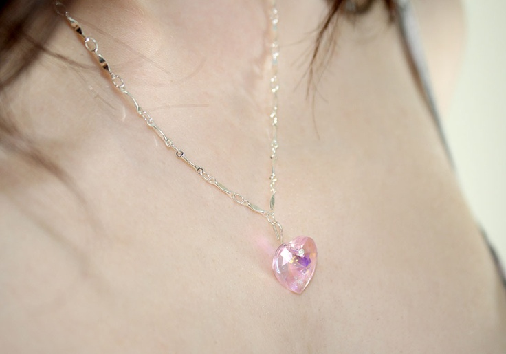 Close-up of our shimmering pink necklace!